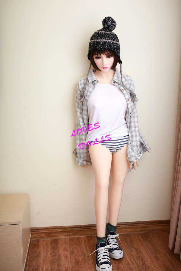 140cm(4.59ft) Angel Natural Beauty Sex Doll With Pretty Cheeks Wasp Waist Big Soft Smooth Breasts Bouncy Butt Huge Ass Chinese Pretty Young Girl Delicate White Skin Wear Sexy Shorts Pink Pussy Lively Oral Vagina Anal Love Doll YW-85