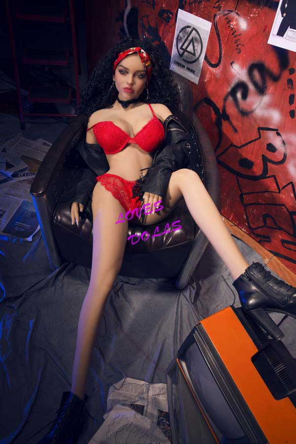 156cm ( 5.12ft ) Full Silicone Sex Doll With Pretty Face Slender Body Beautiful Breasts Bouncy Butt	African Mixed Blood Pretty Whore With Tender Tan Skin Wear Sexy Red Bikini Underwear Lively Oral Vagina Pussy Anal	love doll YW-71