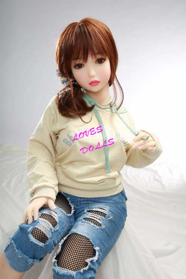 130cm(4.27ft)	Mini Sex Dolls With Multifunctional 304 Metal Skeleton Pretty Body Flat Chest Beautiful Buttocks Japanese Teen girl With White Tender Skin Wear Sexy Bikini Pink Vagina Pussy Lively Oral Anal Love Doll YW-95