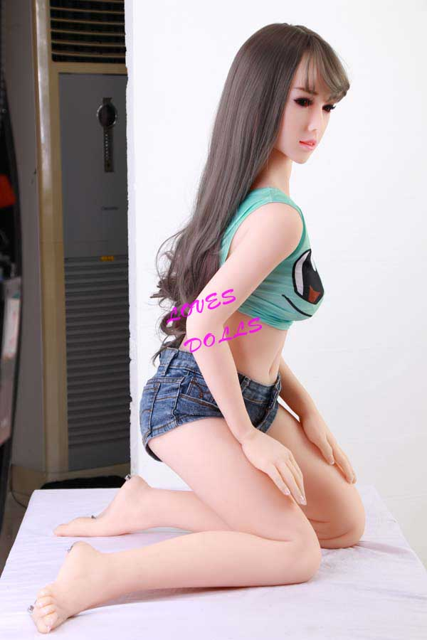 158cm ( 5.181ft ) Realistic Silicone Sex Doll With Pretty Cheeks Slender Body Small Soft Breasts White Butt Korean 17 Years Old School Girl White Skin Wear Sexy Shorts Lively Oral Vagina Pussy Anal Love Doll YW-75