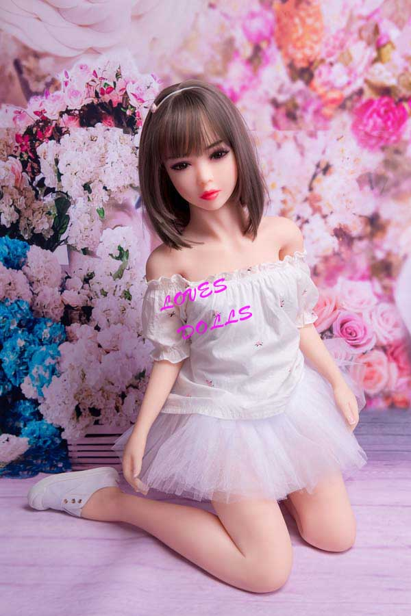 132cm(4.33ft) Top Hottest Sex Doll With Multifunctional 304 Metal Skeleton And Pretty Body Flat Breasts Beautiful Buttocks Big Ass Japanese Maiden With White Tender Skin Wear Sexy Skirts Pink Pussy Vagina Lively Oral Anal Mini Love Doll YW-94