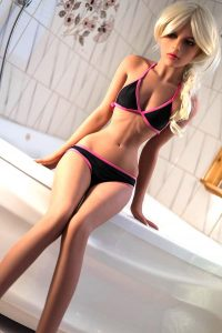155cm(5.09ft) Real Life Looking Sex Dolls Were Made Acording To Real Russian Girls Whose Waists Are 1/3 Narrower Than Their Hips